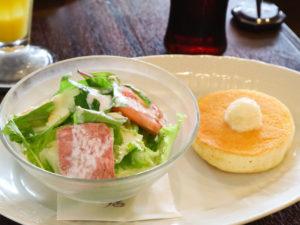 星乃珈琲のモーニング「サラダ&ミニパンケーキ」